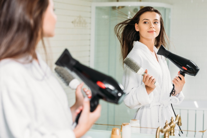 HOW TO USE A HAIR DRYER