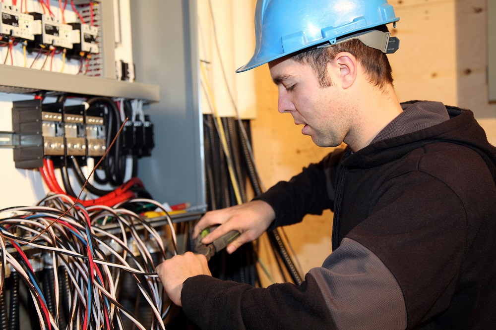 Here Are The 8 Best Tips For Every Electrician To Improve Their Business
