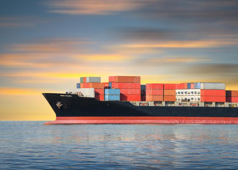 Everything you need to know about international shopping, shipping and transaction methods