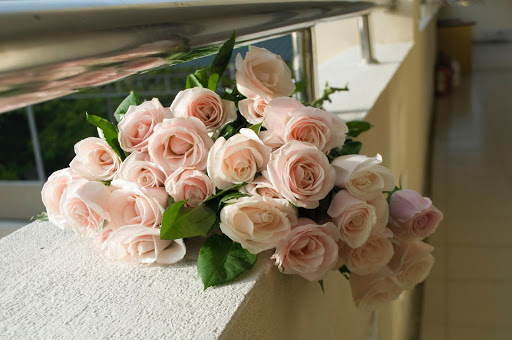 Get the best hassle-free floral decoration in Delhi.